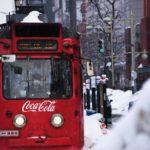 Straßenbahn mit Coca-Cola-Logo