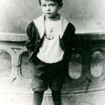 Kurt Tucholsky als vierjährige Kind auf einem Foto.