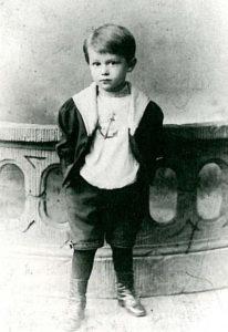 Kurt Tucholsky als vierjähriges Kind auf einem Foto.