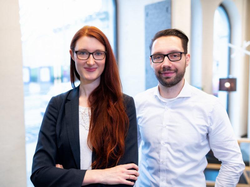 Bild des KTR-Teams mit Rechtsanwalt Kilian Springer und Rechtsanwältin Janina Albrecht.