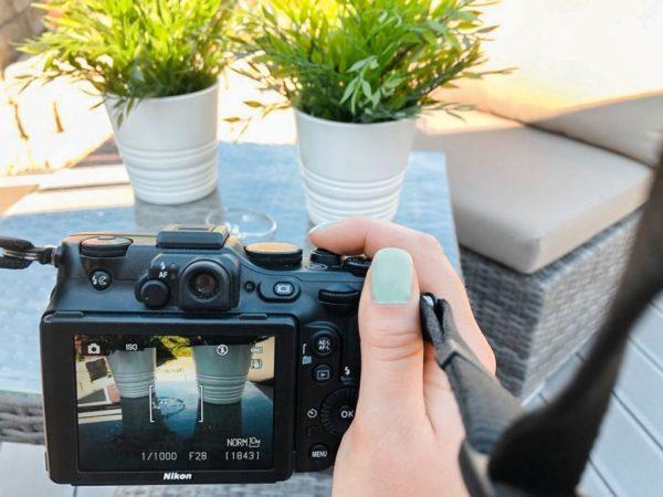 Online Shop; Produktfotos; Kamera; Produkt fotografieren